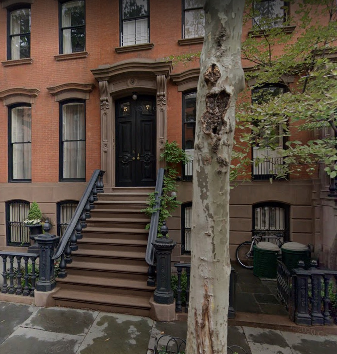 Sarah Jessica Parker's former home is a brick-and-brownstone combo.